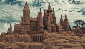 Creative_Wallpaper_Sand_castle_094819_MOD